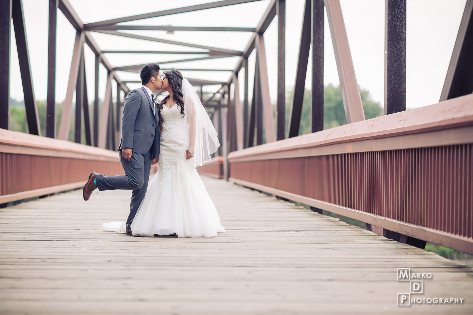 edmonton bridge wedding photographers